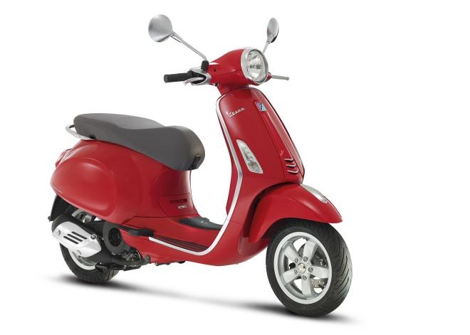 Vespa-Primavera-125-Roja