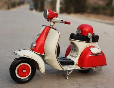 3.handmade_antique_tin_model_motorbike_-vespa_scooter_1958_type2_2