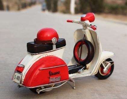 3.Handmade_Antique_Tin_Model_Motorbike_-VESPA_Scooter_1958_Type2_3