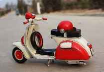 3.Handmade_Antique_Tin_Model_Motorbike_-VESPA_Scooter_1958_Type2_4