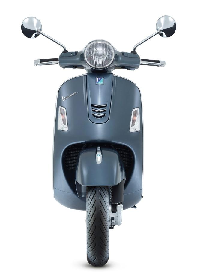 Vespa-GTS-300-Grigio-Dolomiti-01