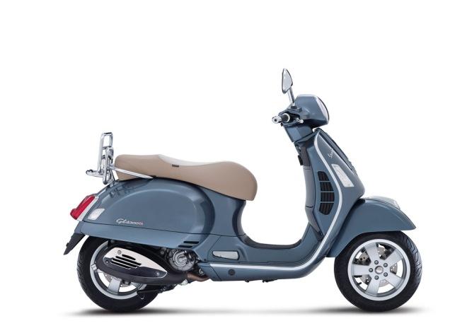 Vespa-GTS-300-Grigio-Dolomiti-04