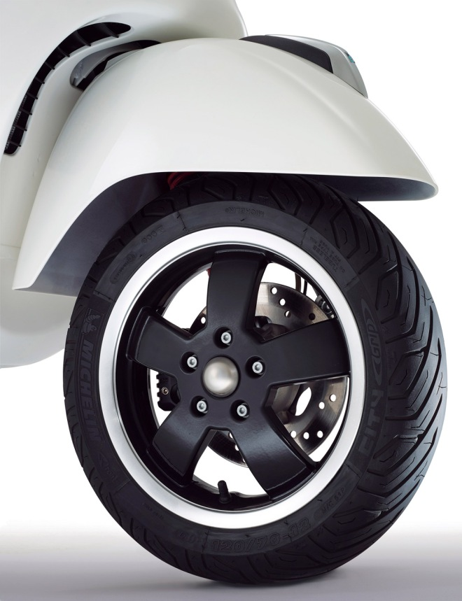 Vespa-GTS-Super-Detail-06