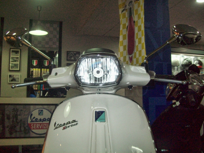 Vespa-Sprint-Shop-00