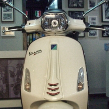 Vespa-Sprint-Shop-05