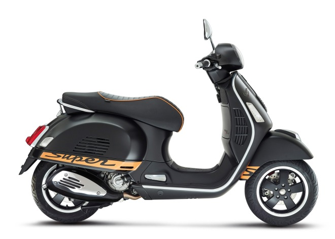 Vespa-GTS-Supersport-2014-03