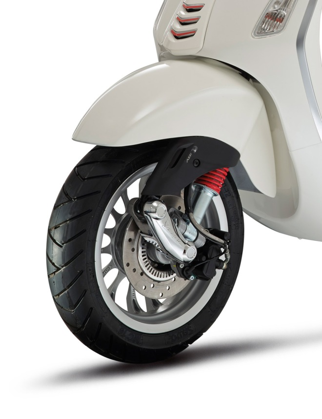 Vespa_sprint_ABS_125_03