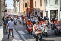 Vespa_World_D_2014_City_Parade_06