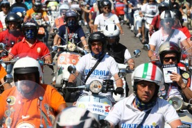 Vespa_World_D_2014_City_Parade_10