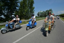 Vespa_World_D_2014_City_Parade_16