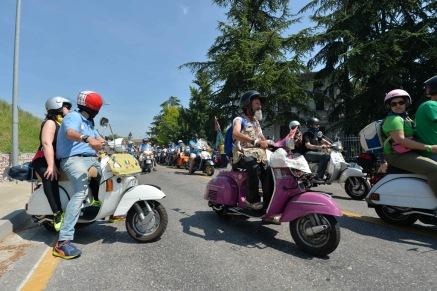 Vespa_World_D_2014_City_Parade_24