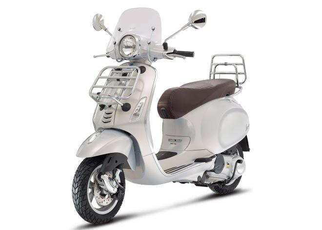 Vespa-primavera-Touring-125-150-grigio-02