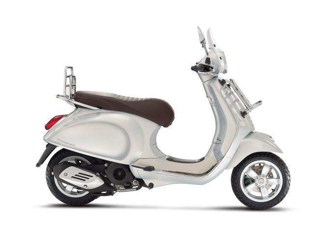 Vespa-Primavera-Touring-125-grigio-seta-02