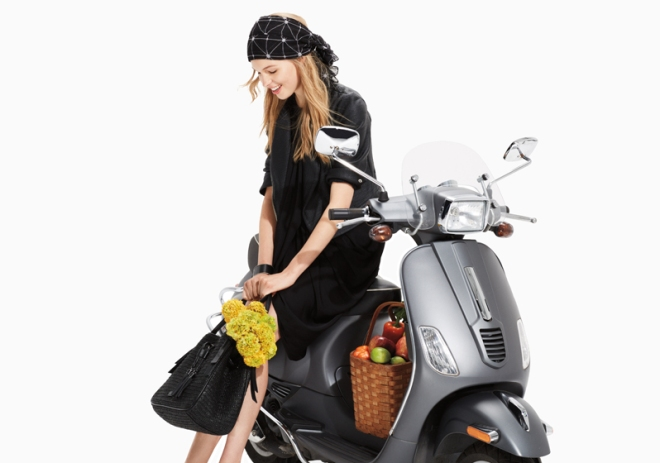 Armany Exchange Vespa look 02