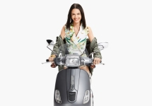 Armany Exchange Vespa look 06