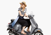 Armany Exchange Vespa look 07