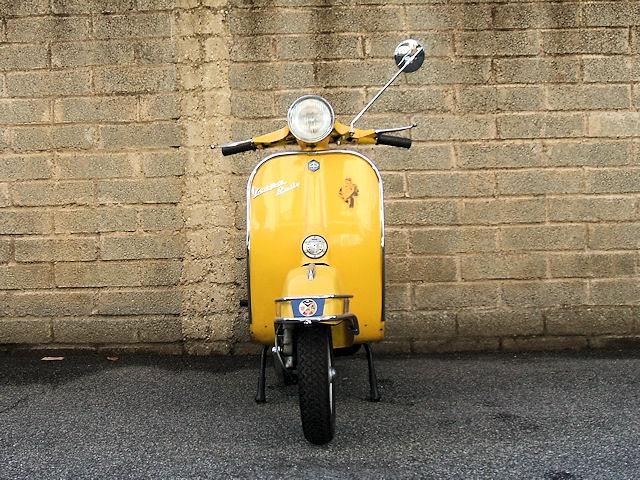 Piaggio_Vespa_Rally_180_01
