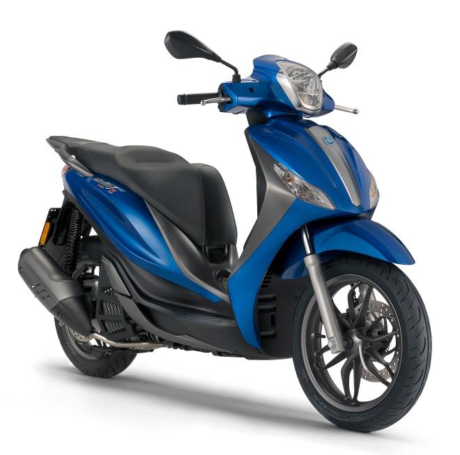 Piaggio Medley blu 150 trequarti antdx 2