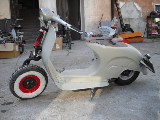 vespa-naked-custom-01