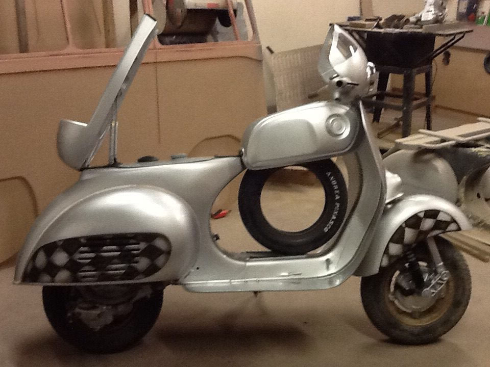 Custom vespa roma for Vespa cafe racer