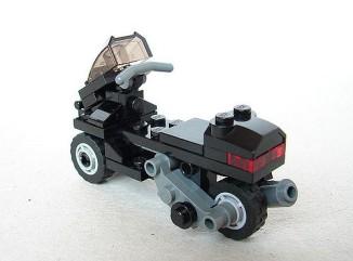 Lego-Piaggio-MP3-02