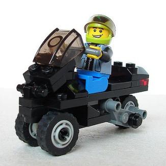 Lego-Piaggio-MP3-04