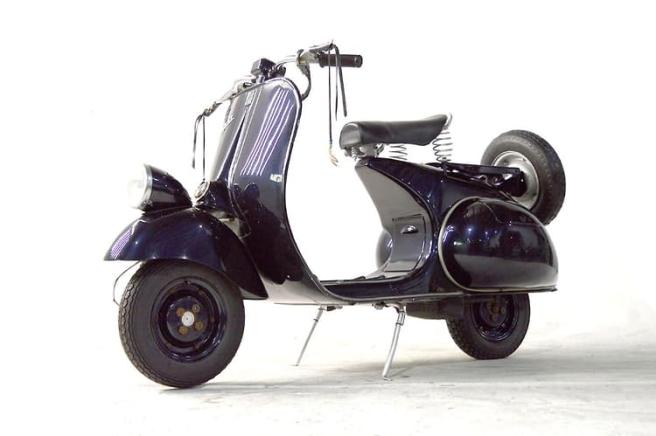 Vespa-125-VN-1951-1957-04